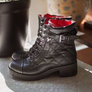 G by GUESS Martha Quilted Lug Booties